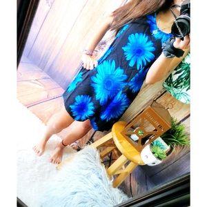 Vintage floral mini dress 🌿